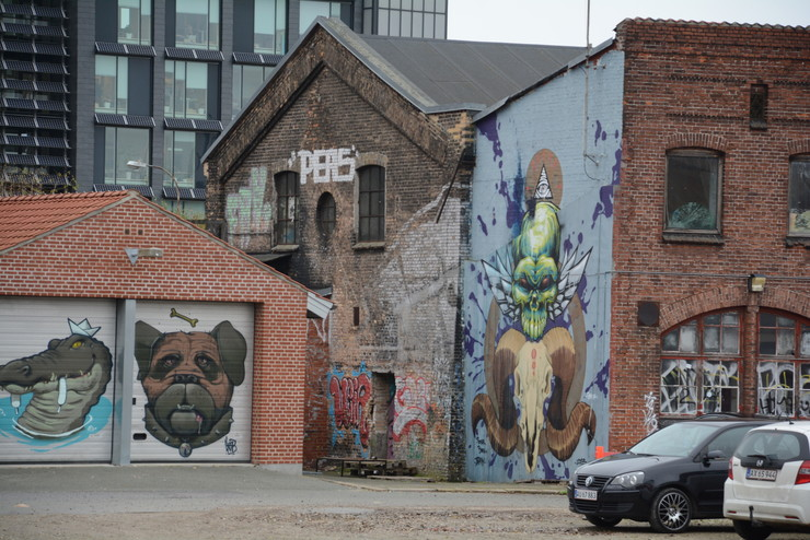 Aarhus bybillede med graffiti på gavle og vægge