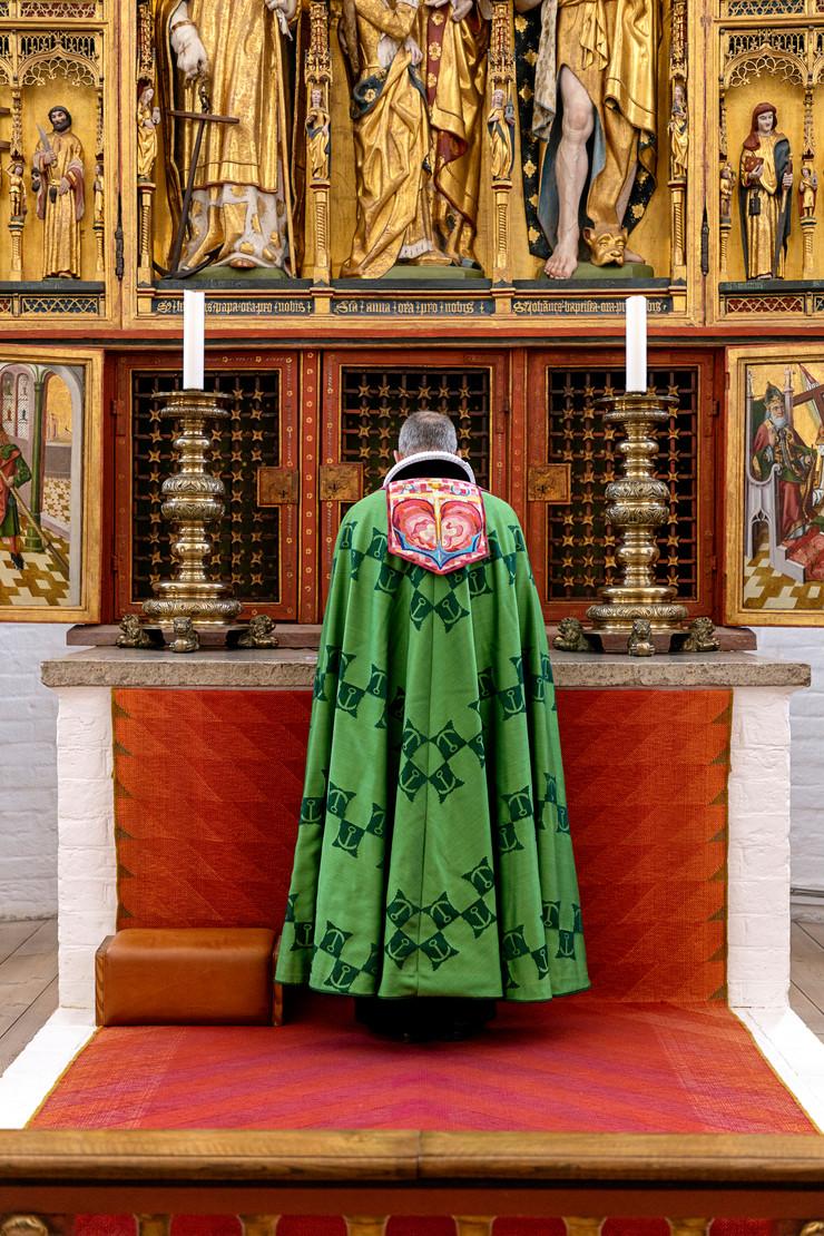 Portræt af biskop Henrik Wigh-Poulsen i bispekåbe
