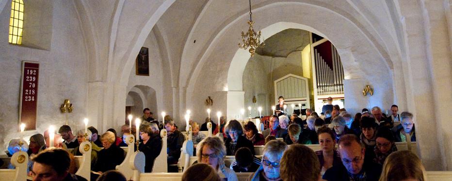 Menighed i sang i kirkerummet