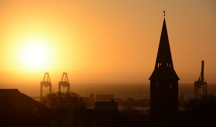 Aarhus Domkirke i silhouet